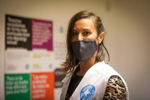 Rocío López, en las oficinas de Metges del Món en ses Figueretes.
