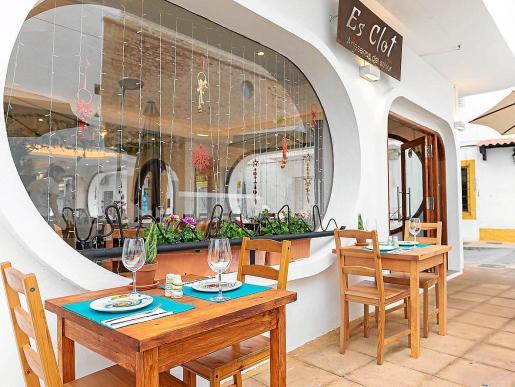 Disfruta de tus tapas favoritas en pleno centro de Sant Antoni.