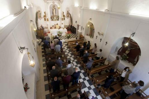 Un momento de la misa celebrada ayer en la iglesia de Sant Vicent.