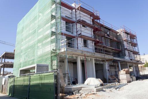 Un edificio en construcción en Vila.