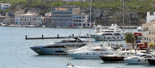 En la zona de Cala Figuera se creará una nueva marina para esloras superiores a 40 metros. El concurso podría estar a punto a finales de 2021.