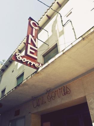 El cine Torres estuvo funcionando hasta hace un par de décadas en la calle Bisbe Torres de Sant Antoni.