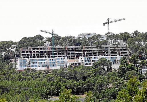 Imagen de archivo de viviendas en construcción en la zona de Cala Vedella.