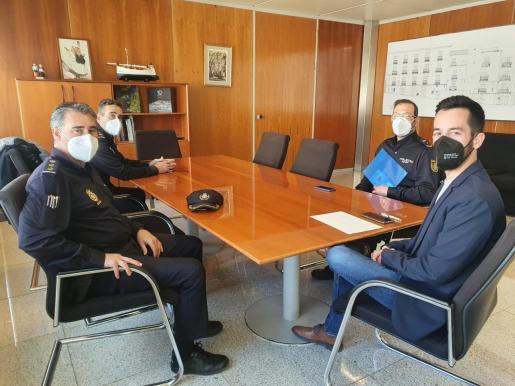 El Consell Insular d'Eivissa y la Policía Nacional colaborarán en iniciativas de Participación Ciudadana.