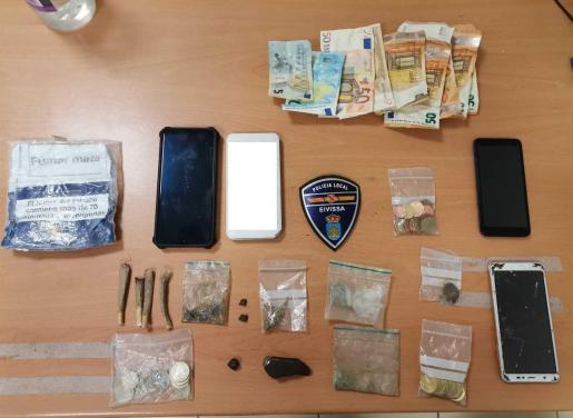 Material incautado por la Policía Local de Ibiza.