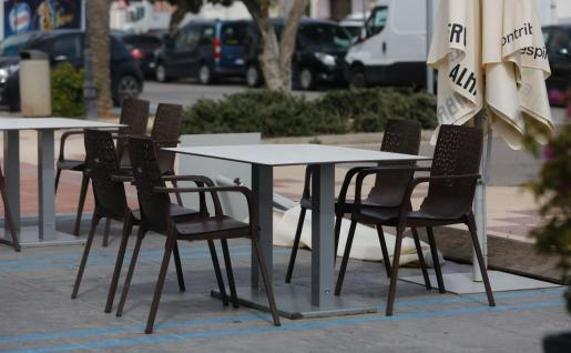 Una terraza vacía, el viernes pasado en Ibiza.