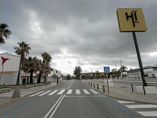 La zona de Platja d'en Bossa, completamente desierta desde final de verano de 2019.