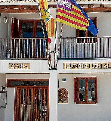Consell de Formentera y Casa Consistorial comparten edificio.