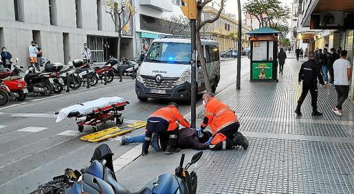Escenario que dejó el conductor temerario que embistió a un motorista en Vila.