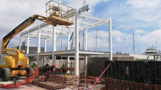 Obras de construcción del restaurante Roto, en Marina Ibiza.