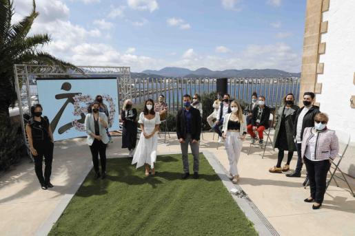 La Pasarela Adlib 2021 se presentó en el Far de ses Coves Blanques de Sant Antoni con la presencia de los diseñadores de esta edición.