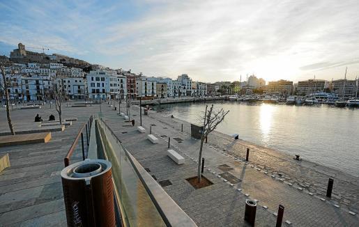 Imagen del puerto de Ibiza desde es Martell.