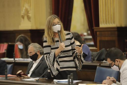 La consellera balear de Salud, Patricia Gómez, ayer, durante el Pleno.