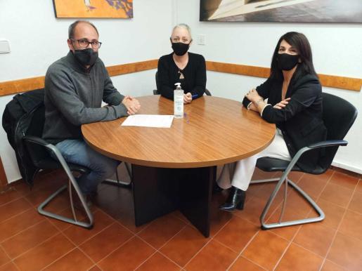 Firma del Convenio en el Consell de Formentera.