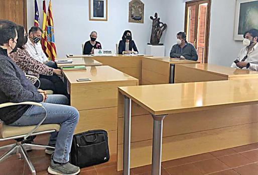 Imagen de la reunión que se celebró ayer en el Consell de Formentera.