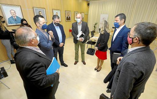 El conseller explicó las medidas en el Consell d'Alcaldes celebrado en Sant Josep.