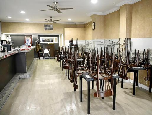 El interior de los restaurantes se cerró antes de Pascua.