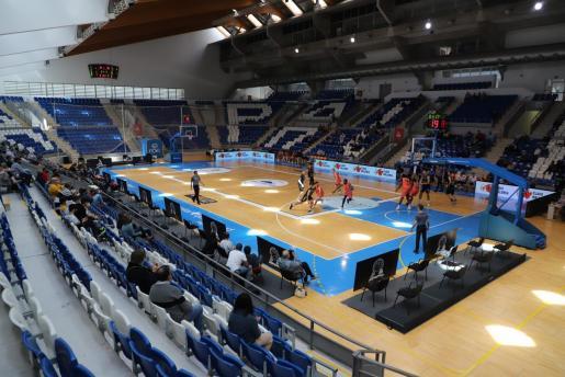 Imagen del Palau d'Esports de Son Moix durante un partido del Palmer Alma Mediterránea Palma de LEB Oro.