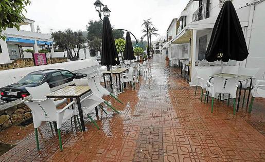 Una terraza vacía, en un día de lluvia la semana pasada.