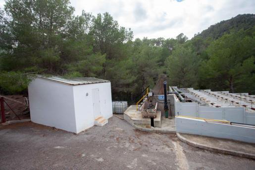La actual depuradora de Portinatx que será demolida.