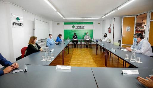 Imagen del encuentro que tuvo lugar este miércoles por la tarde en la sede de Pimeef.