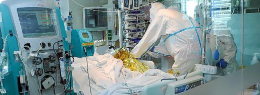Los hospitales de Balears acogen a 23 pacientes en sus unidades de críticos.