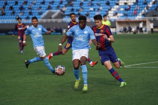 Un momento del partido entre la UD Ibiza y el FC Barcelona B.