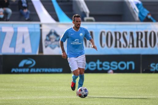 Manu Molina durante un partido con la UD Ibiza.
