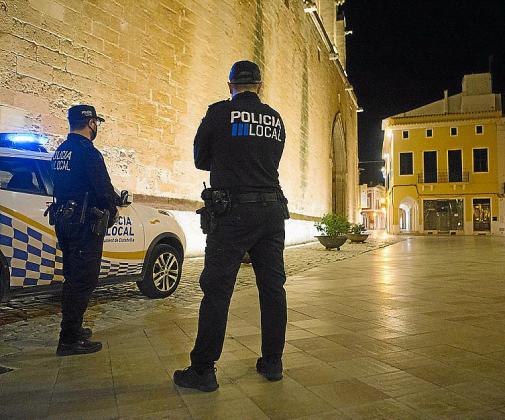 El toque de queda está fijado de 23:00 a 6:00 horas en Baleares.