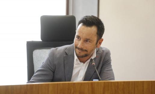 Rafa Ruiz, alcalde de Vila, en un pleno del municipio.