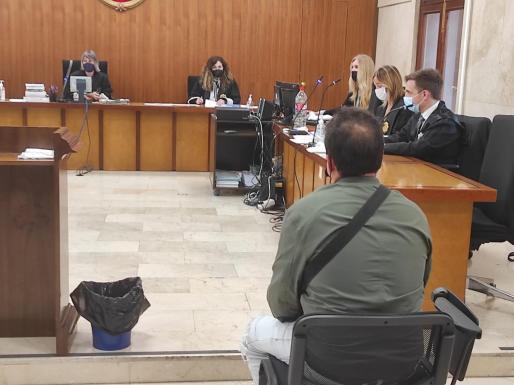 El procesado, este lunes, en la Audiencia Provincial de Palma.