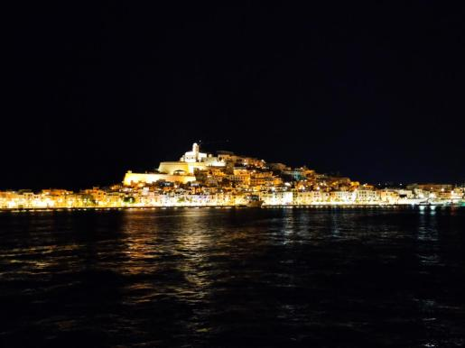 La noche cae sobre Vila, en Las fotos de los lectores.