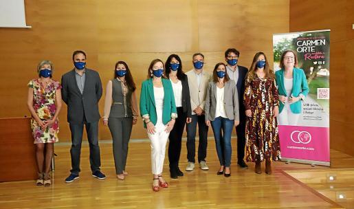 Carmen Orte y su equipo presentaron ayer su programa electoral en el edificio Jovellanos.            FOTO:PERE BOTA