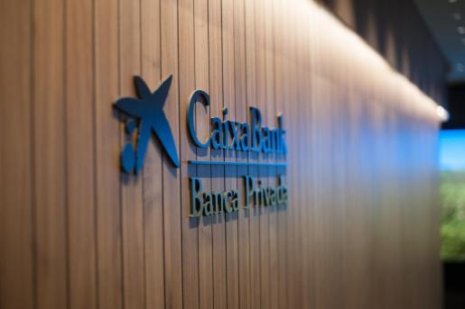 CaixaBank recolocará a los 388 trabajadores afectados en las Islas