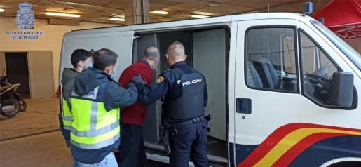Se han detenido a ocho personas que integraban el grupo criminal, especializado en el robo de joyerías.