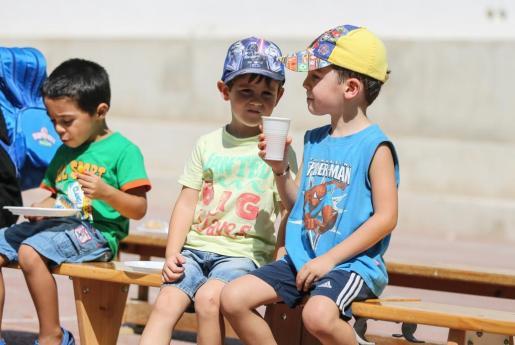 Un grupo de niños en una escuela de verano de Sant Antoni.