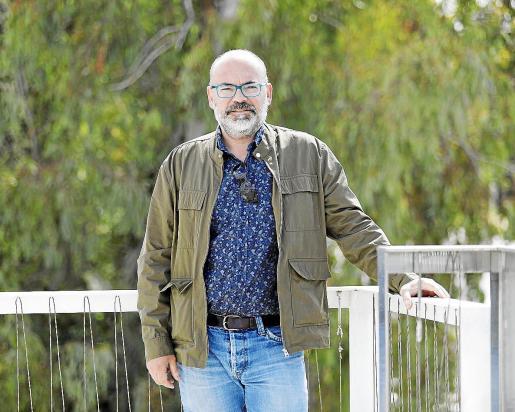 José Antonio Llano Marí dirige un hotel en Cala Llenya y propietario de una casa que alquila como alojamiento vacacional.