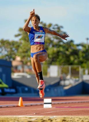 Yulimar Rojas, durante uno de los saltos en el Meeting Toni Bonet.