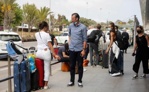 Llegada de turistas al aeropuerto de Ibiza durante el pasado fin de semana.