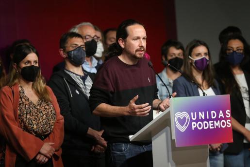 El candidato de Unidas Podemos a la presidencia de la Comunidad de Madrid y secretario general de Podemos, Pablo Iglesias, durante una rueda de prensa tras las votaciones de la jornada electoral, a 4 de mayo de 2021, en Madrid.