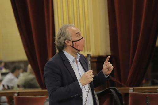 Martí March, en el Parlament.