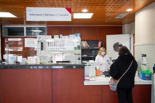 Recepción del Centro de Salud de Ibiza.
