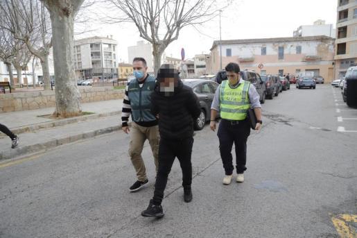 El detenido, este miércoles al pasar a disposición judicial.   A. Sepúlveda