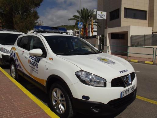 Vehículo de la Policía Local de Santa Eulària.