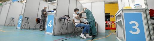 Los citados acudirán a los puntos de vacunación masiva, como Germans Escalas.