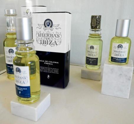 El agua de colonia de Hierbas de Ibiza es el producto estrella de la marca ibicenca.