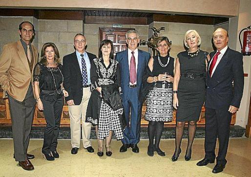 Carlos Alemán, María José Sanz, Joaquín Muñoz, Ana Arriego, Pedro Martínez Molina, Soledad Quiroga, Carmen García y Juan Caridad.