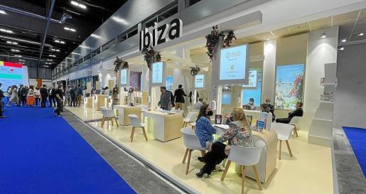 La mayor de las Pitiüses acudió a esta feria turística con el lema 'Ibiza, abierto por vacaciones'.