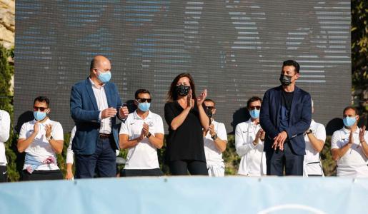 Francina Armengol durante el homenaje a la UD Ibiza en el parque Reina Sofía.