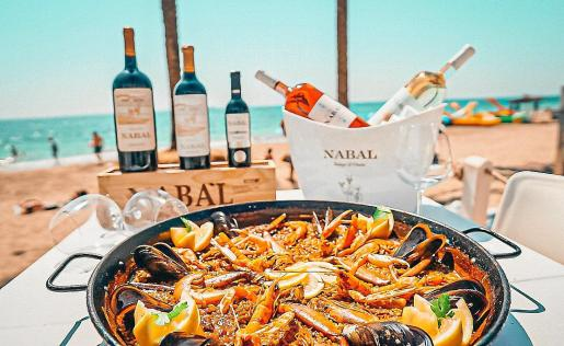 Los mejores arroces y pescados frescos a la orilla de Platja d'en Bossa.